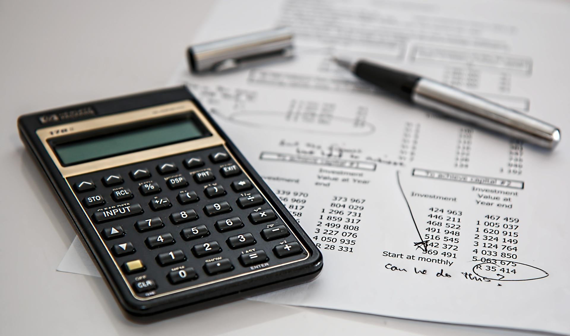 ¿Cuánto cotiza anualmente el mercado de consultoría en España?