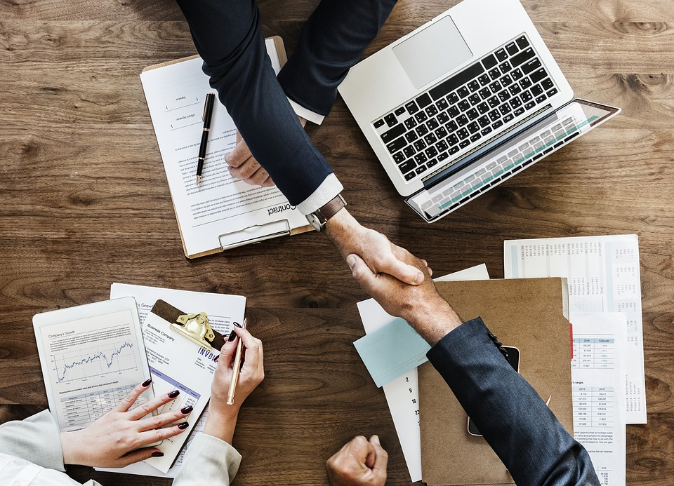 10 claves en la gestión de personas en los procesos de cambios de empresas