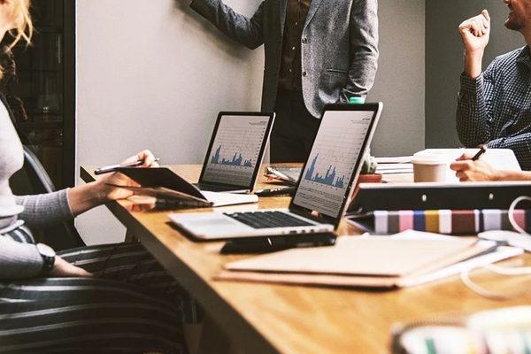 Cómo un Interim Manager puede ayudar en la fusión de empresas